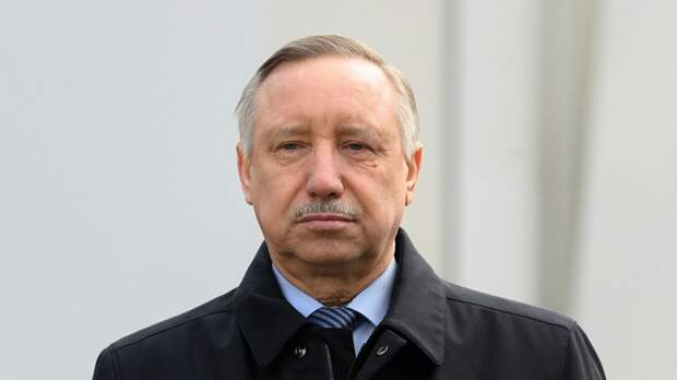Беглов отчитался о завершении первого этапа обновления уличного освещения Петербурга