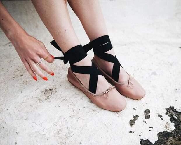 Балетки на широкой шнуровке