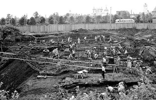 Археологические работы на Неревском раскопе в Новгороде, лето 1951 года / Фото: russia-ic.com