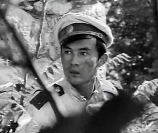 Фильм «Баллада о комиссаре» (1967 год) стал кинодебютом Талгата Нигматулина