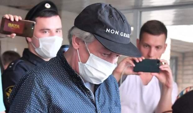 Пашаев объяснил запрещенное использование Ефремовым смартфона