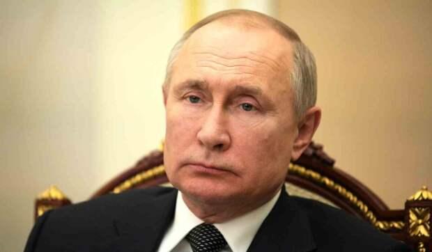 """""""Это нас беспокоит"""": глава британской разведки заявил о загадочных сигналах для Путина"""