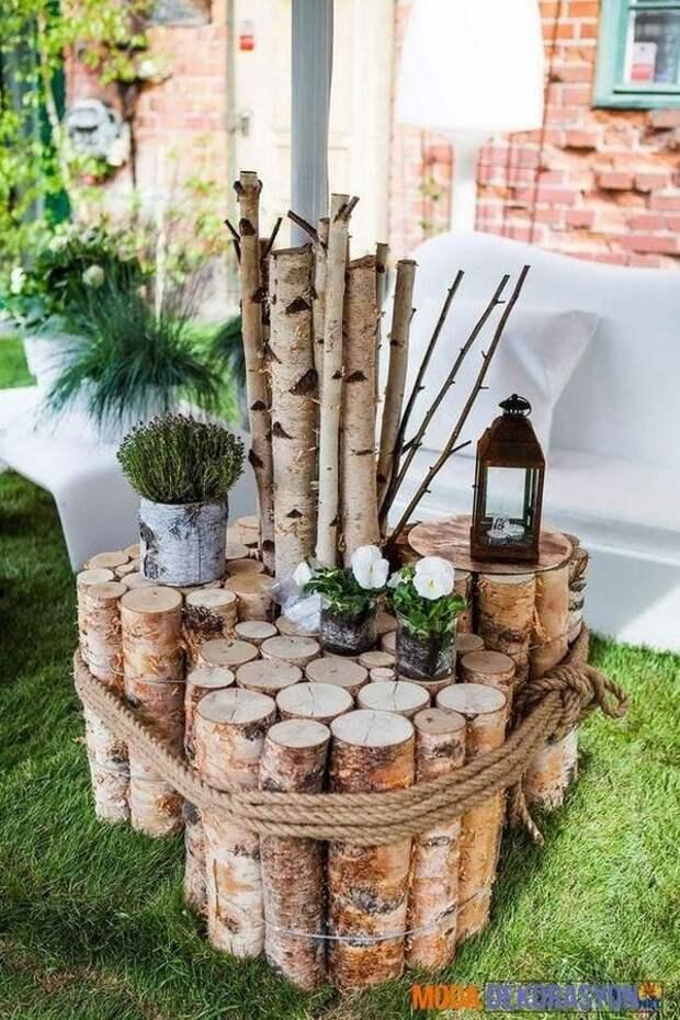 Всегда актуальное дерево: стильный и бюджетный декор для участка