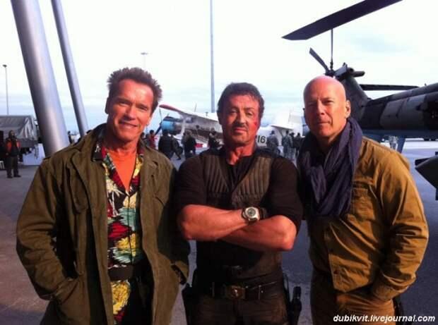0073 Арнольд Шварценеггер, Сильвестр Сталлоне и Брюс Уилисс на съемках «Неудержимые 2»