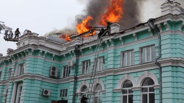 Путин наградил врачей, проводивших операцию в горящей больнице