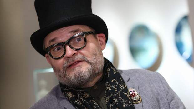 Ведущий «Модного приговора» Александр Васильев предположил, что принц Гарри не сын Чарльза