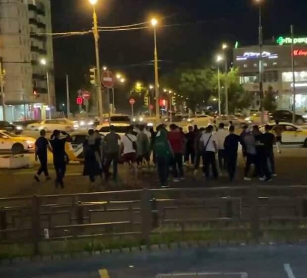 Участников массовой драки в Кузьминках арестовали по статье об участии в незаконном митинге