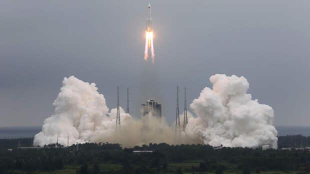 Неуправляемая китайская ракета почти полностью сгорела в атмосфере
