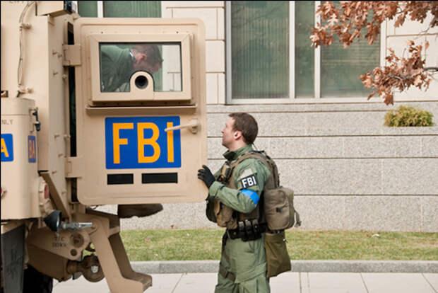 Троих агентов ФБР в Портленде ослепили протестующие