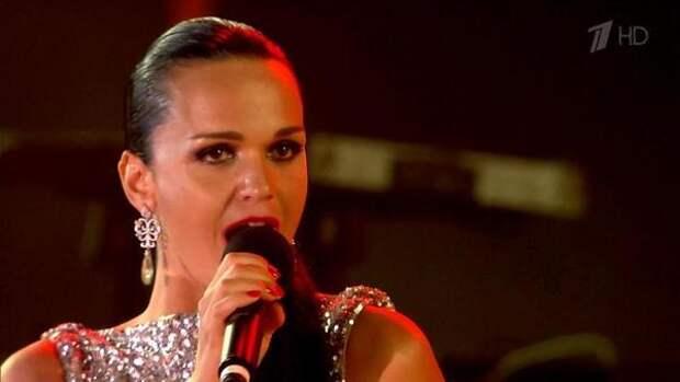 Певица Слава объяснила удаление записи с критикой телешоу Малахова из своего блога