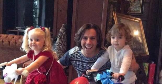 Максим Галкин показал сразу два рекламных видео с детьми за два дня
