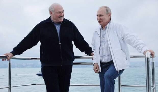 Почему Путина не было на кадрах купания Лукашенко в Черном море? Отвечает Песков
