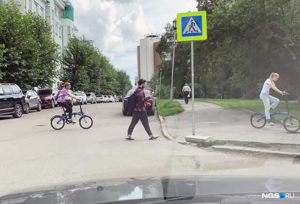 Как мы «давили» пешеходов. Эксперимент НГС: смотрите, как люди бросаются на переход не глядя. Сколько из них погибло бы?