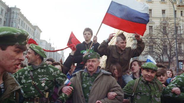 «Да, да, нет, да»: как Россия доверилась Ельцину
