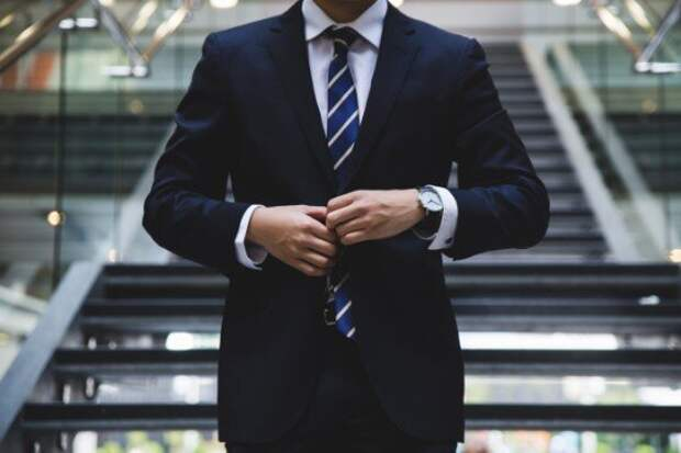 7 вещей, которые обязательно должны быть в гардеробе мужчины