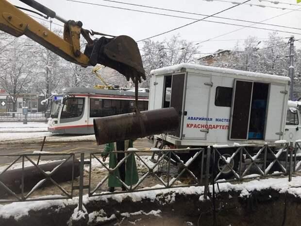 В Краснодаре почти устранили аварию на сетях теплоснабжения