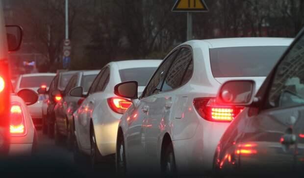 Цветочный рынок спровоцировал транспортный коллапс наБереговой вРостове