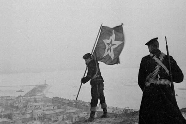 Корабельный гюйс на горе Митридат. Керчь. 1944