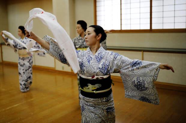 Как японские гейши борются за выживание во время пандемии коронавируса