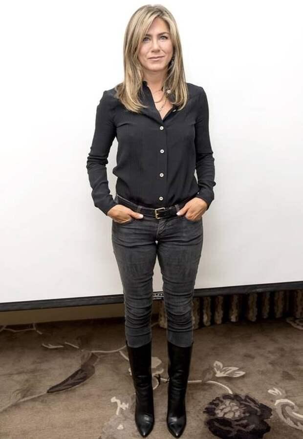 Мода знаменитостей: 7 вещей, которые составляют основу гардероба Дженнифер Энистон