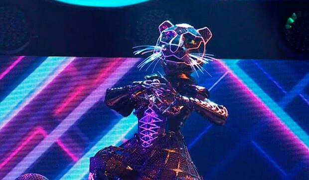 Олимпийская чемпионка Светлана Хоркина выступила в костюме Чёрной пантеры на шоу «Маска»