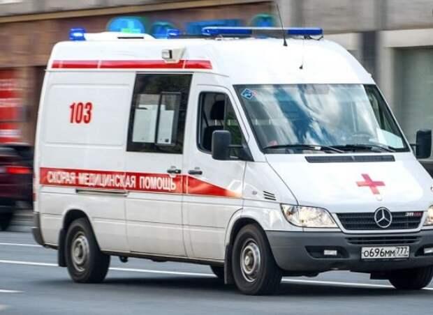 В СВАО за неделю в ДТП пострадали два пешехода, водитель мопеда и пассажир