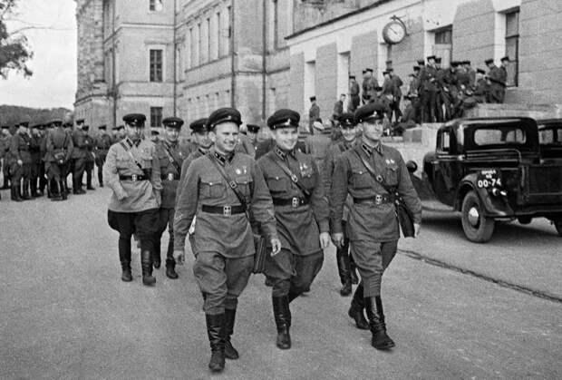 Выпускники Военной Академии им. Сталина. Москва, июнь 1941 года