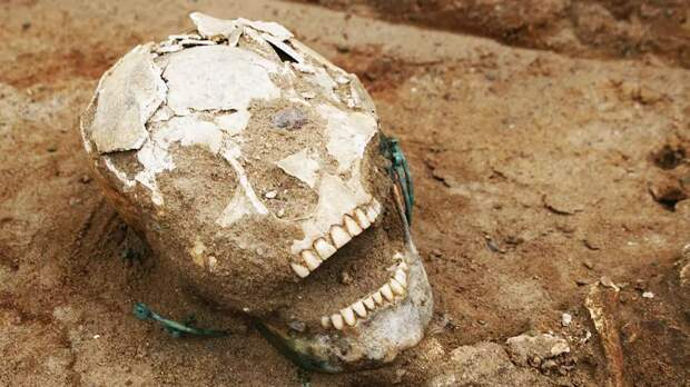 Ужасающие находки на тысячелетнем христианском кладбище поразили археологов