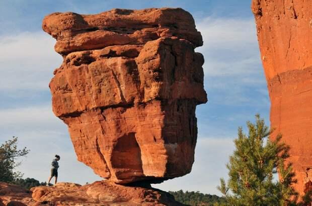 10 самых знаменитых балансирующих скалмира