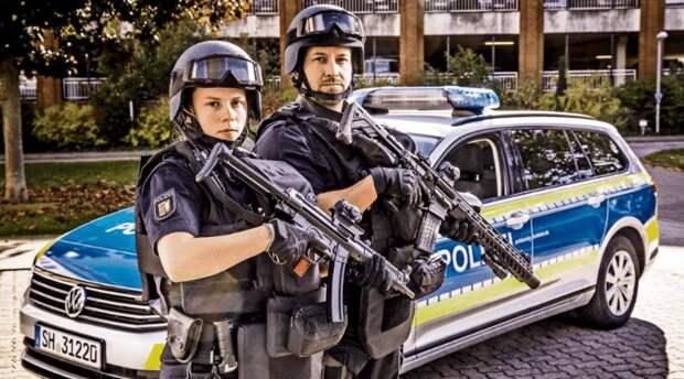 Полицейским Германии выдают новое снаряжение