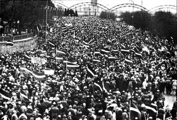 День полной и окончательной независимости Латвии...