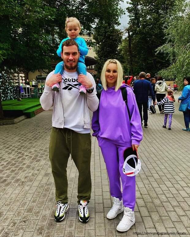 Лера Кудрявцева сводила дочку в парк мультфильмов (видео)
