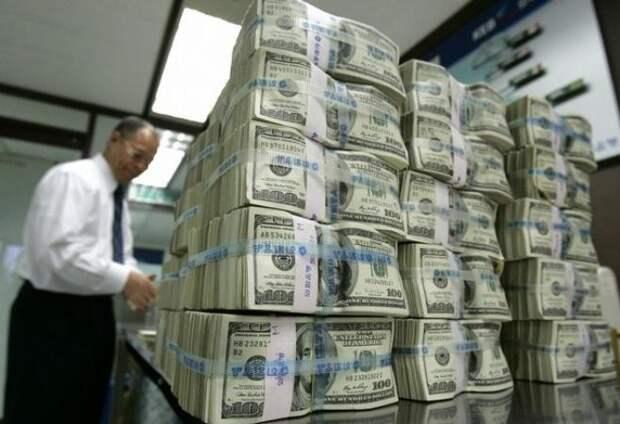 Профессор обвинил доллары США в росте цен на всё в РФ