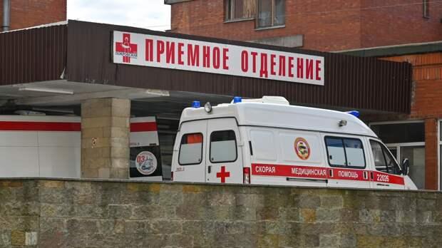 Нетрезвого школьника с пробитым виском нашли лежащим на улице в Выборге