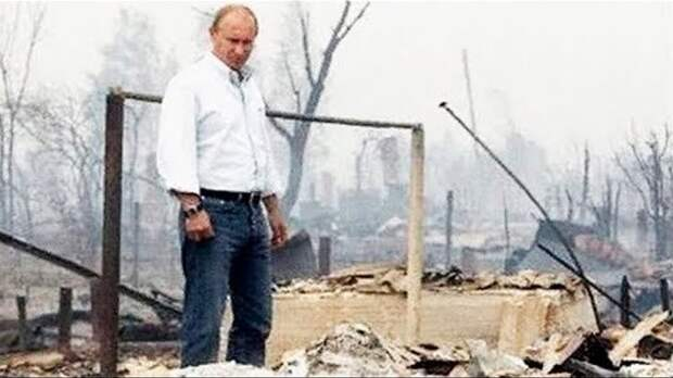А Путин все разрушает и разрушает...