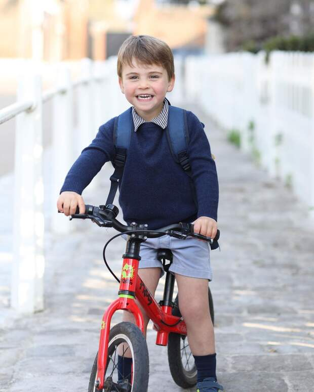 Кейт Миддлтон поделилась новым фото принца Луи в честь его Дня рождения