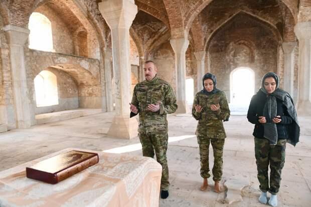 Алиев отправился в Шушу и заявил о начале большого восстановления Нагорного Карабаха