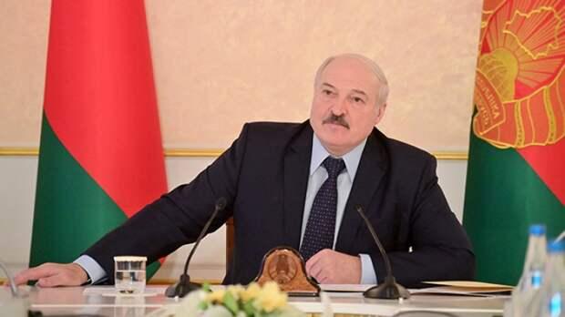 Лукашенко направил Путину поздравление с Днем Победы