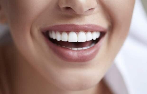 Самый простой рецепт безопасного отбеливания зубов