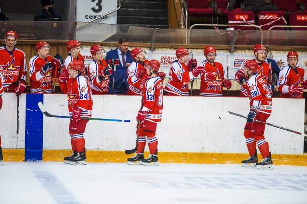 Хоккеисты «Ижстали» в овертайме вырвали победу у соседей по турнирной таблице