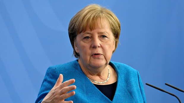Меркель поддержала Израиль в разговоре с Нетаньяху