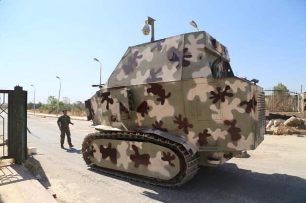 Самодельный курдский танк в пустынном камуфляже.