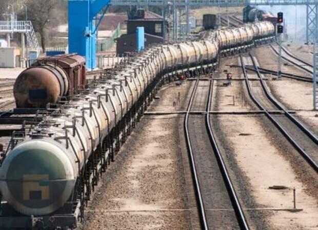 Автогаз и дизтопливо «Роснефти» снова повезли на Украину