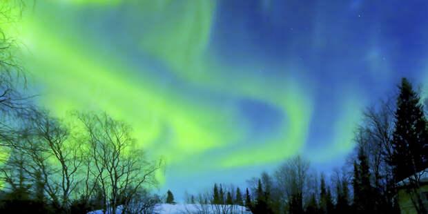 В небе над Ладогой заметили красочное северное сияние