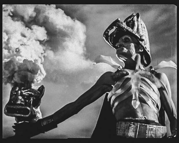 Яркие образы Георгия Милляра.