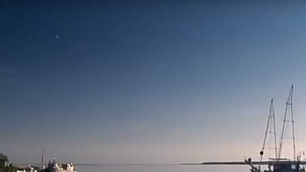 Американские моряки запечатлели на видео падение загадочного НЛО у берегов Калифорнии
