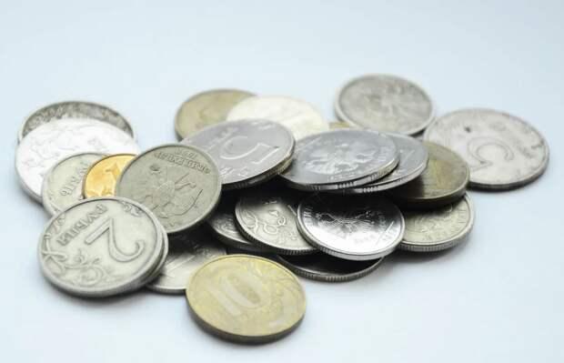 В России отметили рост национальной валюты к доллару и евро