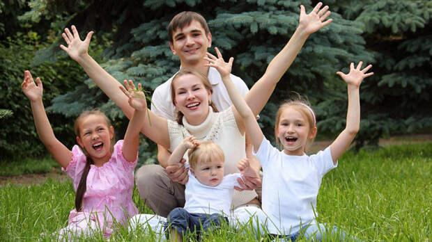 Врачи рассказали, как очередность появления ребенка в семье влияет на его жизнь