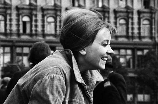 Актриса Маргарита Терехова на съёмках фильма «Здравствуй, это я!». 1964 год.