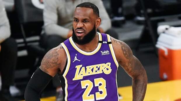 «Лейкерс» стартовали в плей-офф НБА с поражения от «Финикса»